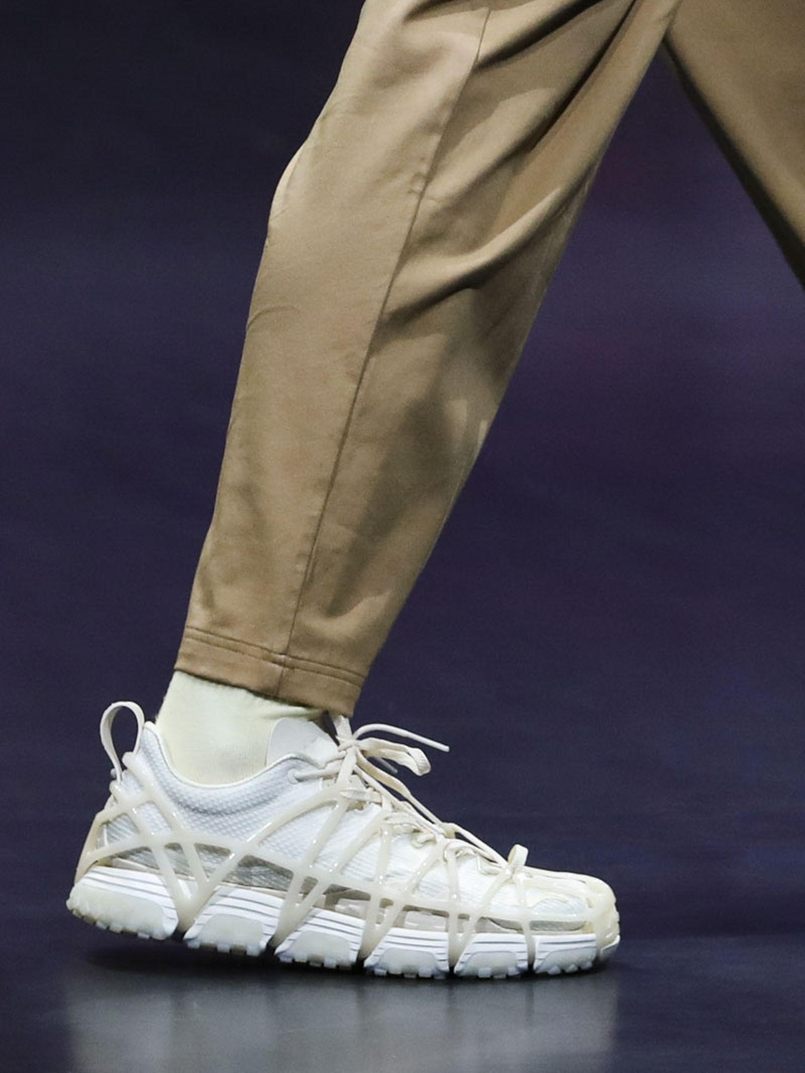 li-ning-ss21-footwear-collection-paris-fashion-week-01