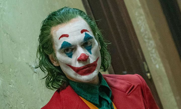 joker first twitter reactions joaquin phoenix starbucks