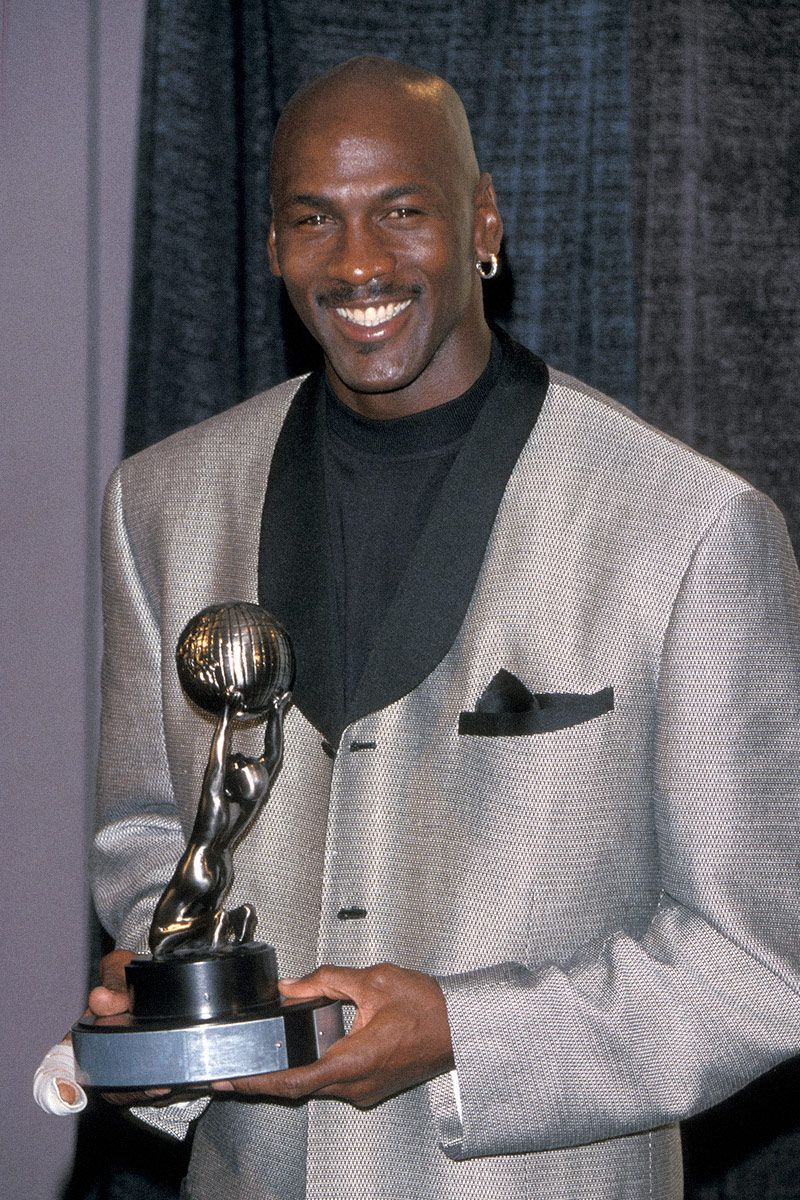 10 Looks That Prove Michael Jordan is the GOAT of IDGAF Style 8