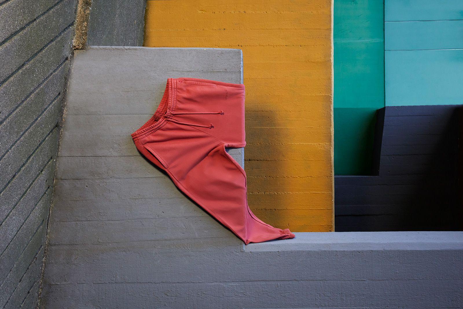 levis-red-tab-sweats-07