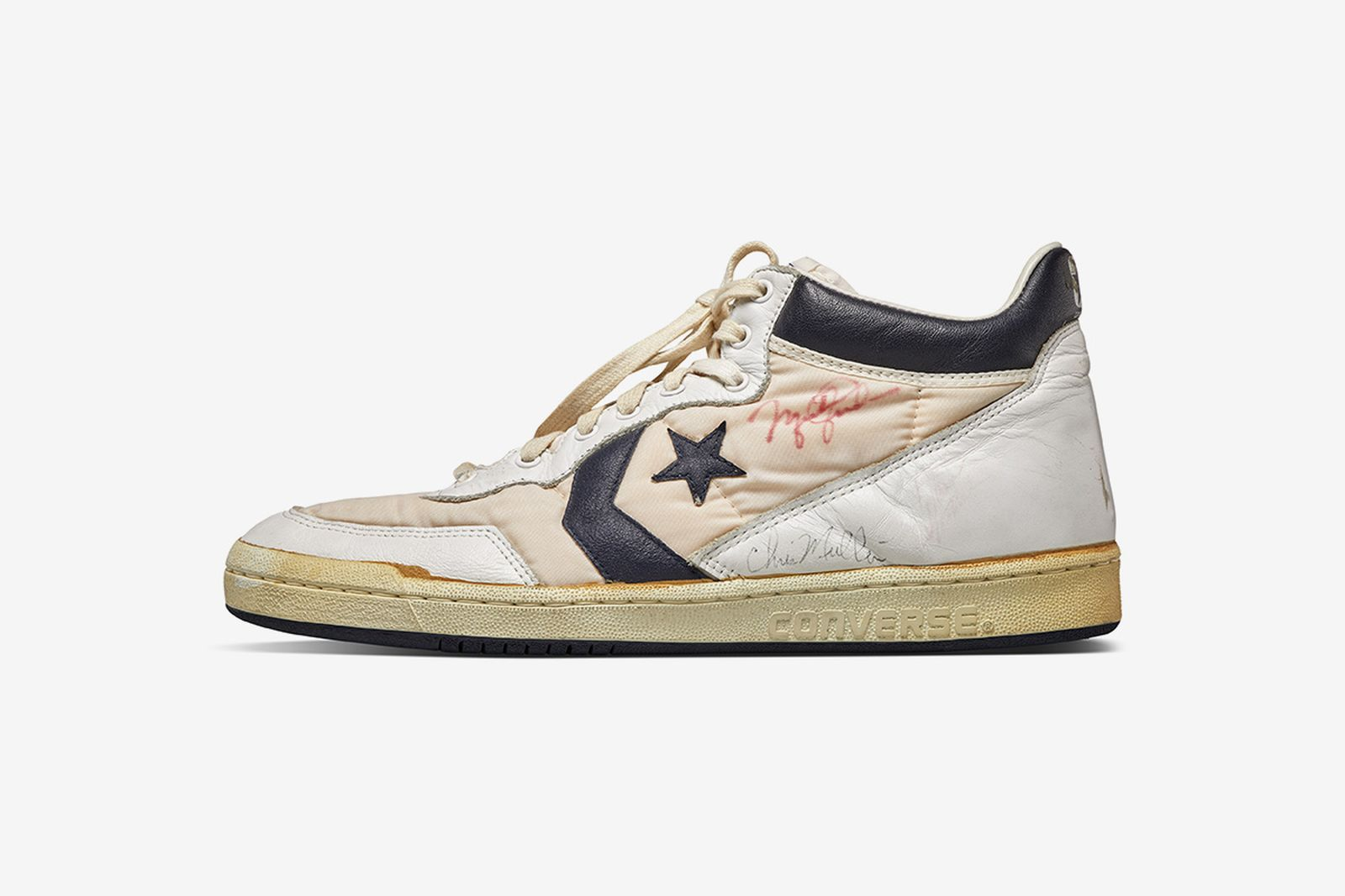 bill-bowerman-track-spikes-sothebys-olympic-auction-04