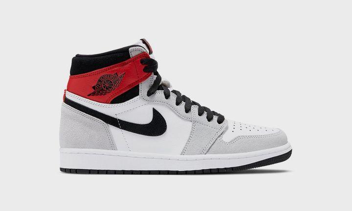 "Image of the Nike Air Jordan 1 ""Smoke Grey"""