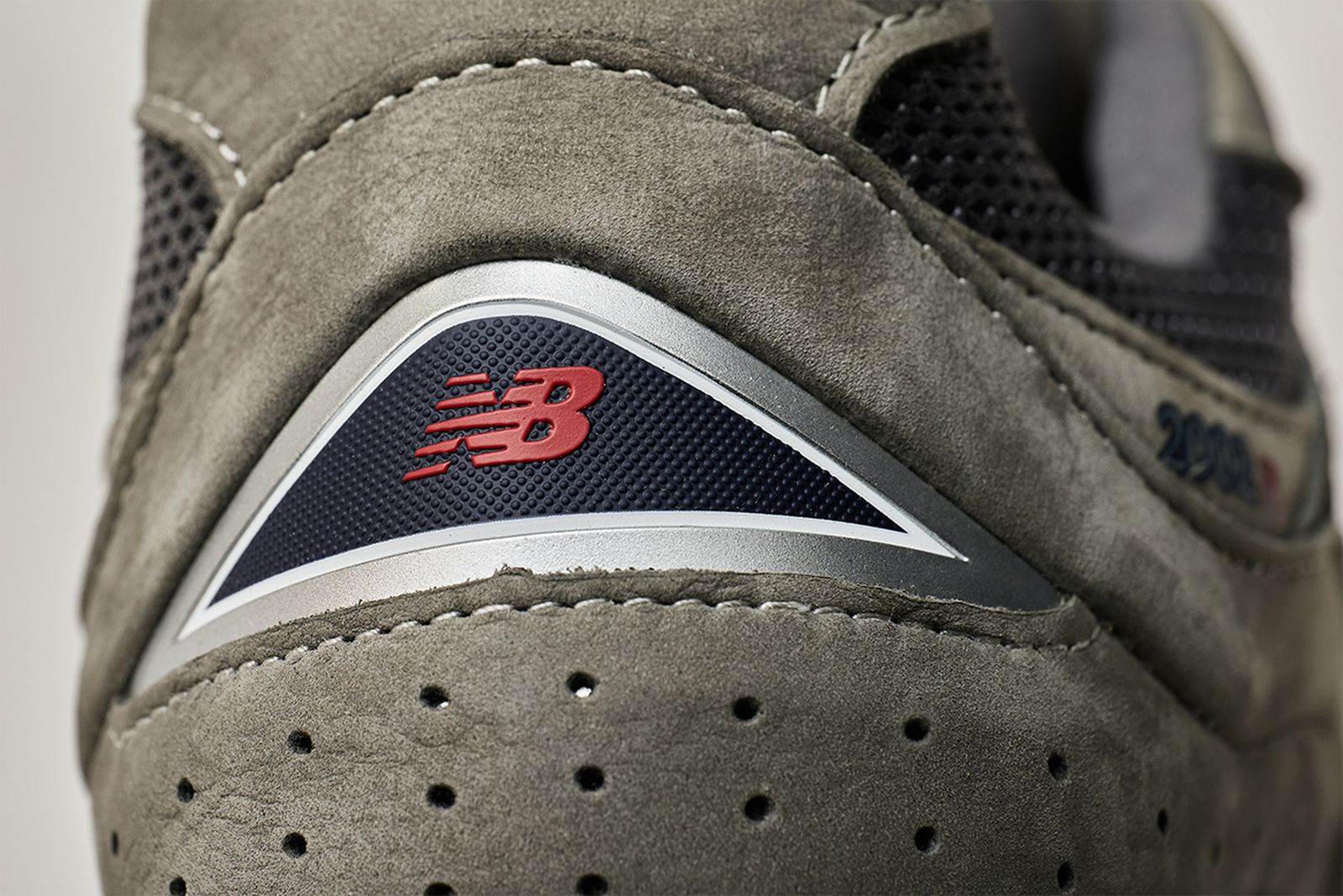 new-balance-2002r-release-date-price-05
