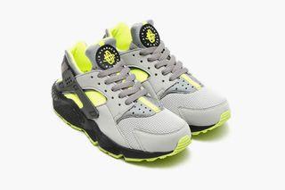 """separation shoes d05e7 3d9c5 Nike s Air Huarache Receives an Electrifying """"Dust Volt Black"""""""