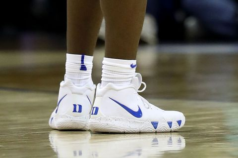 Zion Williamson nike kyrie 4