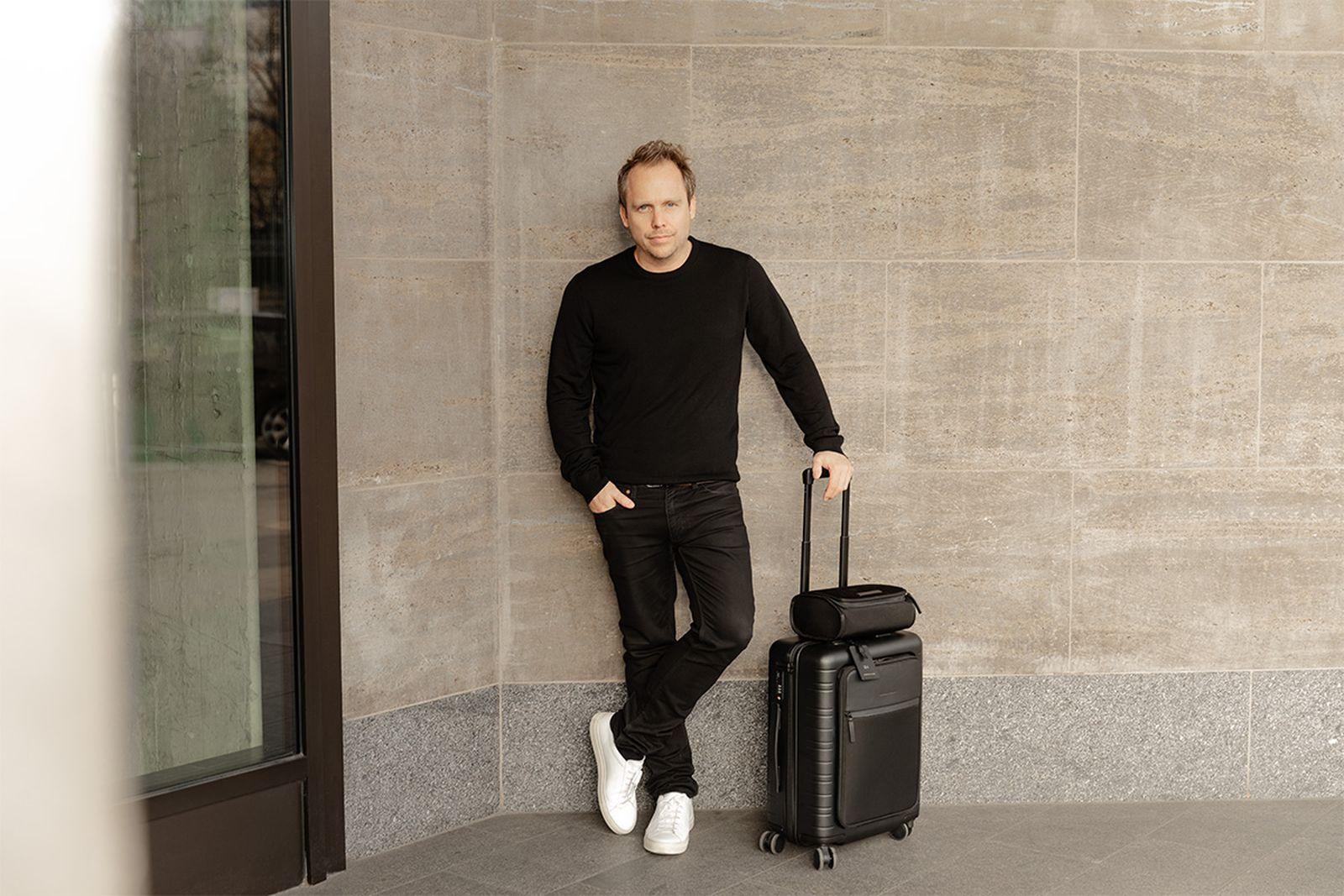 horizn studios luxury luggage luxurious luggage