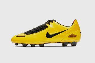 ee50cf9b5 Nike Total 90 Laser SE  Release Date