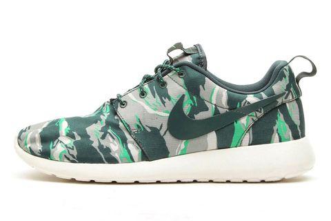 """online retailer 7552a 52573 Nike Roshe Run """"Green Tiger Camo"""""""