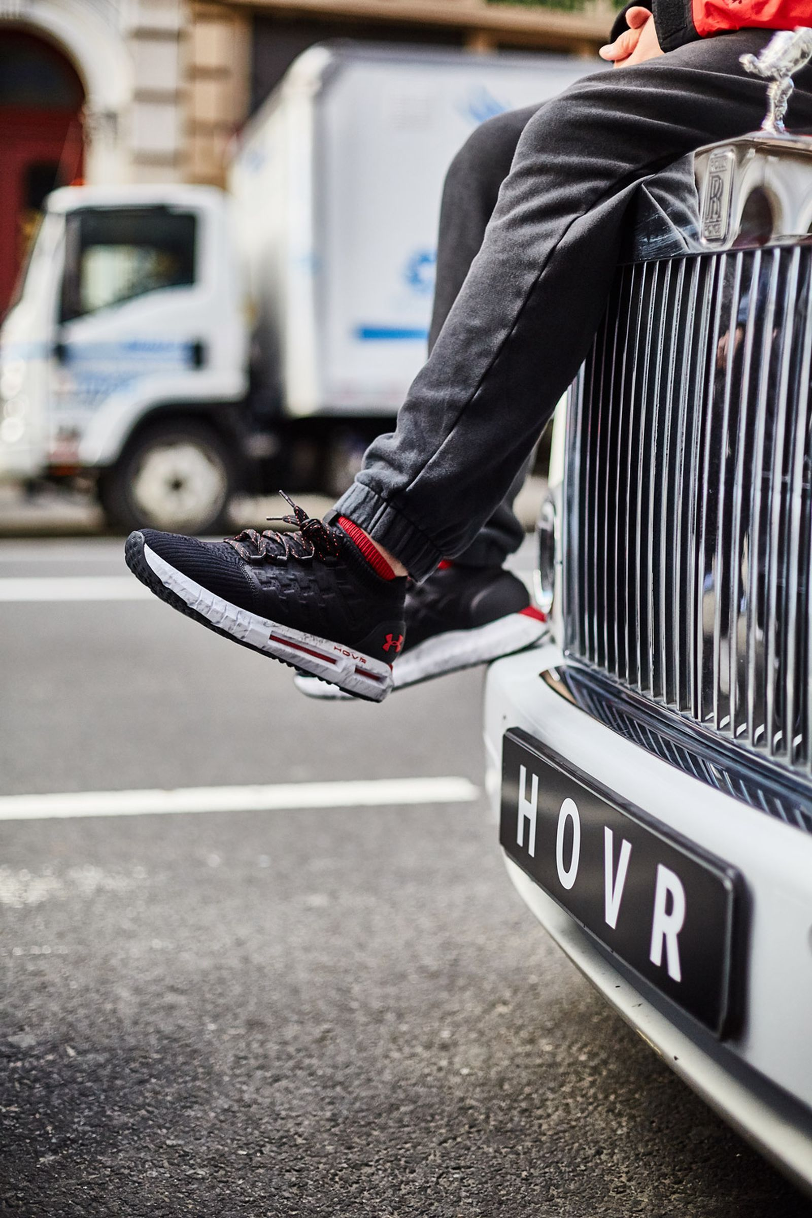 under-armour-hovr-launch-03