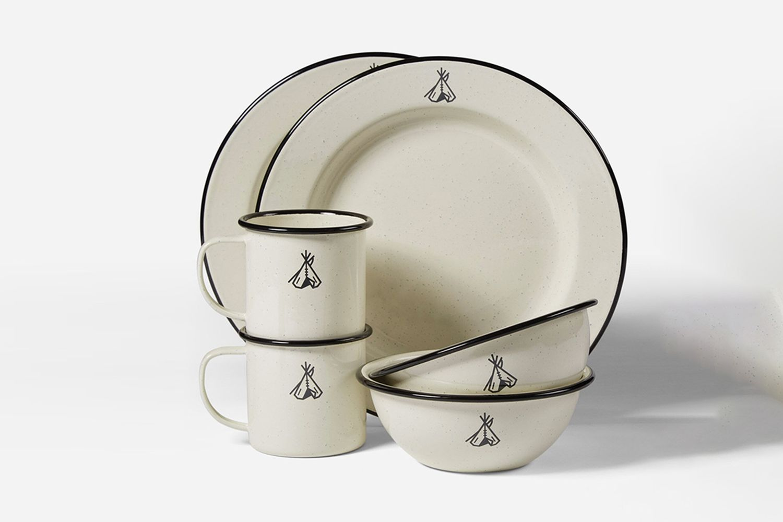 Camp Enamelware Dishes Set