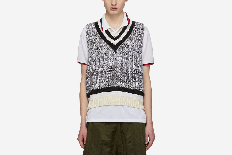 Sleeveless V-Neck Pullover