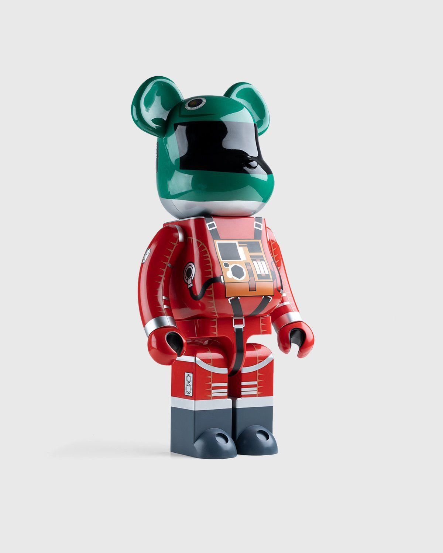 Medicom Be@rbrick – Space Suit Green Helmet & Orange Suit 1000% - Image 2