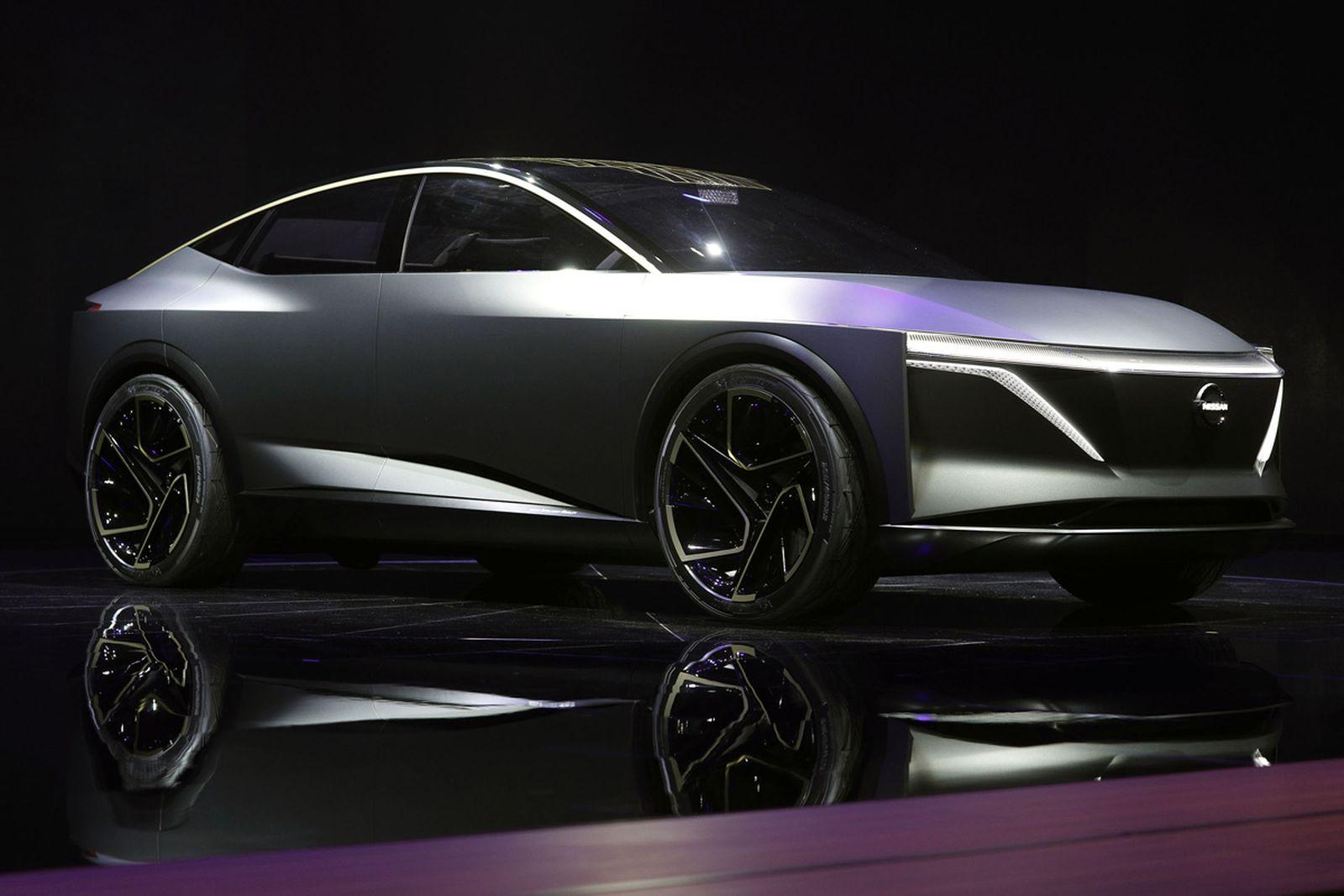 nissan im5 Inifiniti Lexus detroit auto show