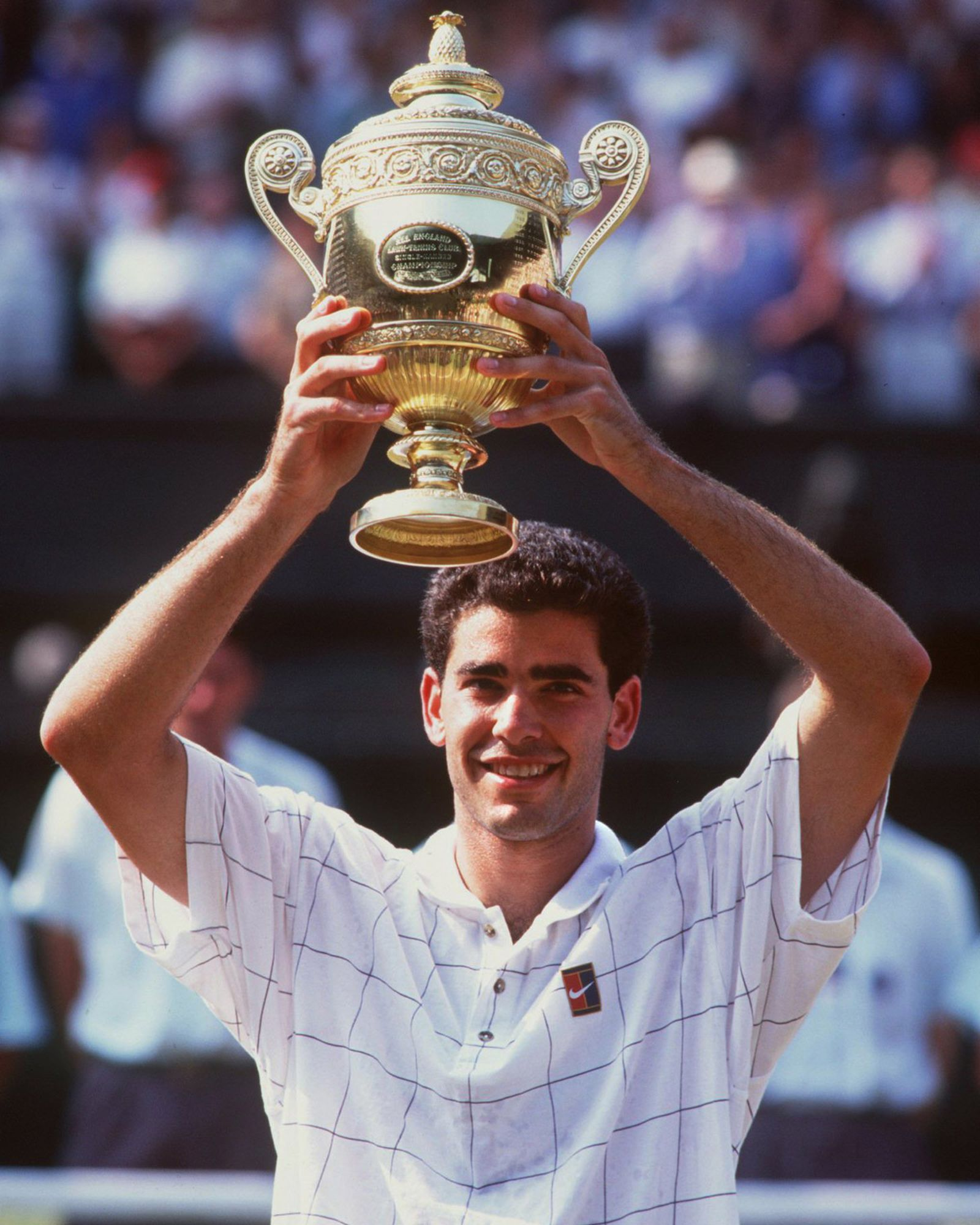 Sampras defeats Boris Becker to win Wimbledon 1995