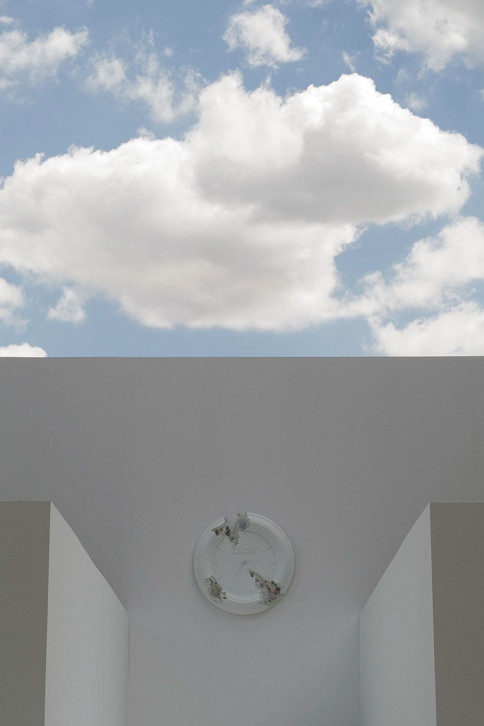 J1070139 Leica Q2 paris fashion week