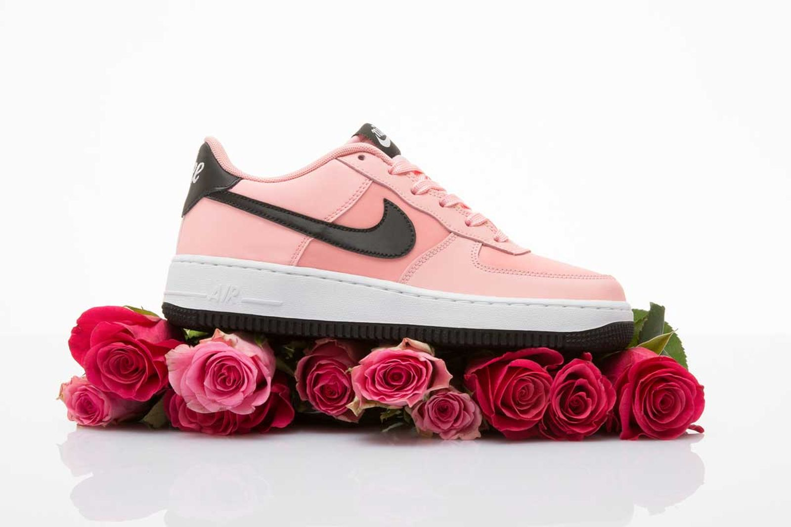 """Nike Air Force 1 """"Valentine's Day"""": Official Release Information"""
