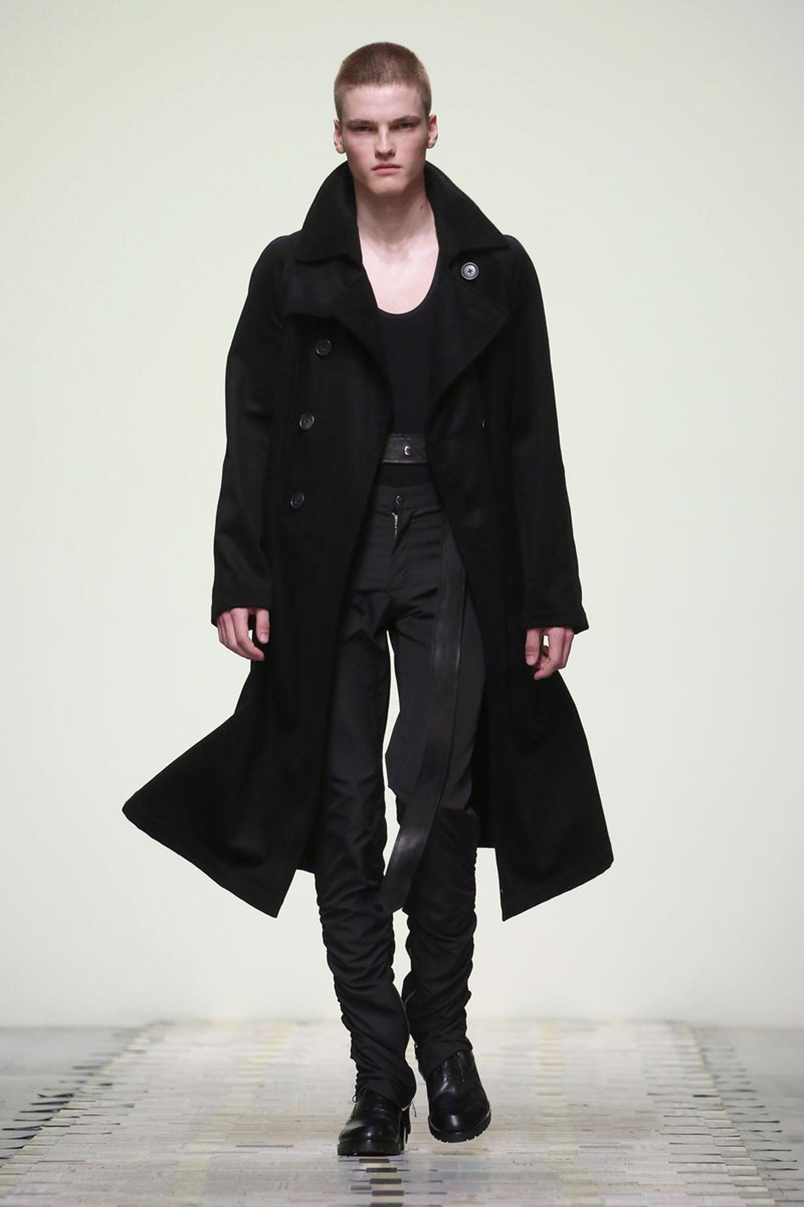 Daniel W. Fletcher Catwalk London Fashion Week Men's SS19 daniel w fletcher