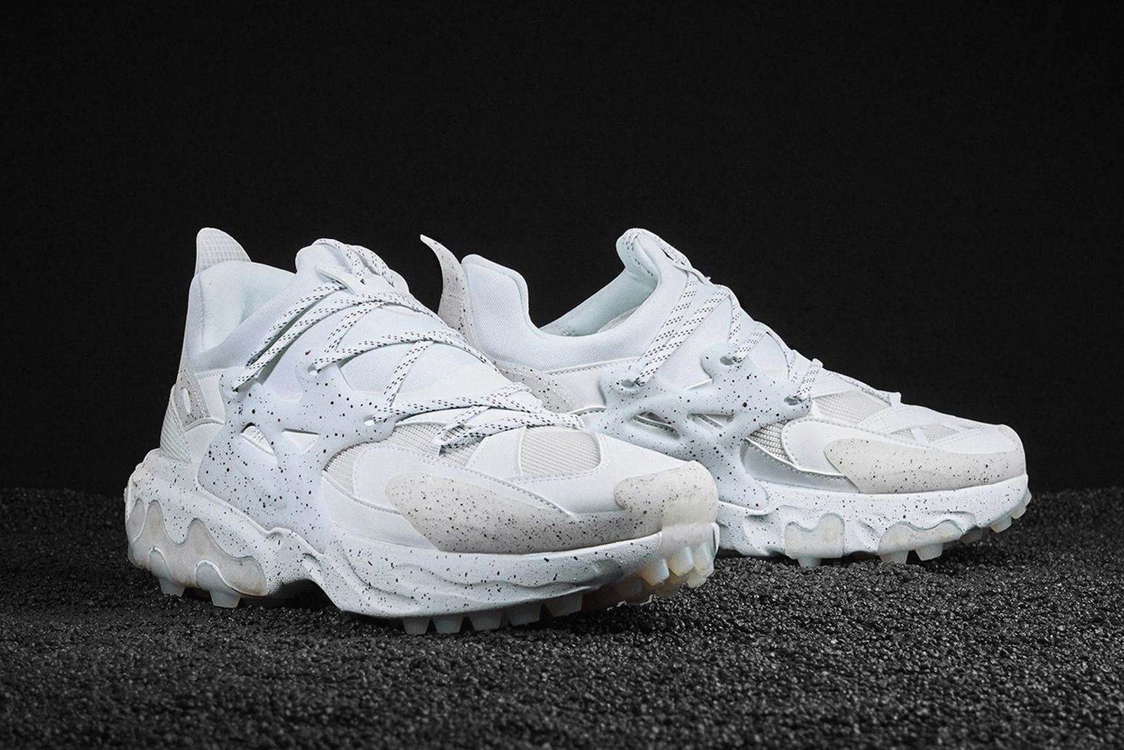 los chasquido disfraz  UNDERCOVER x Nike React Presto: Official Images & Where to Buy