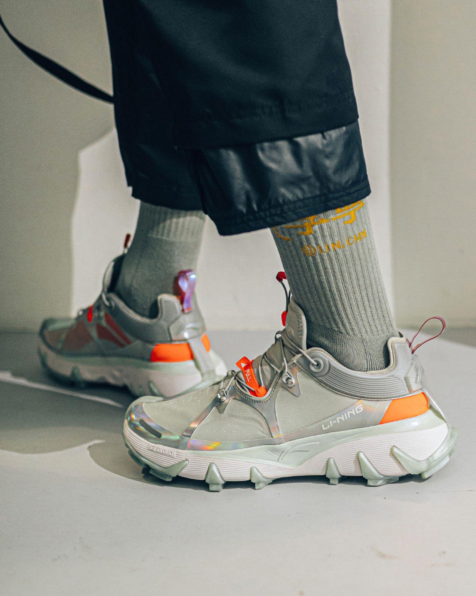 best-sneakers-fashion-week-fw20-li-ning-01