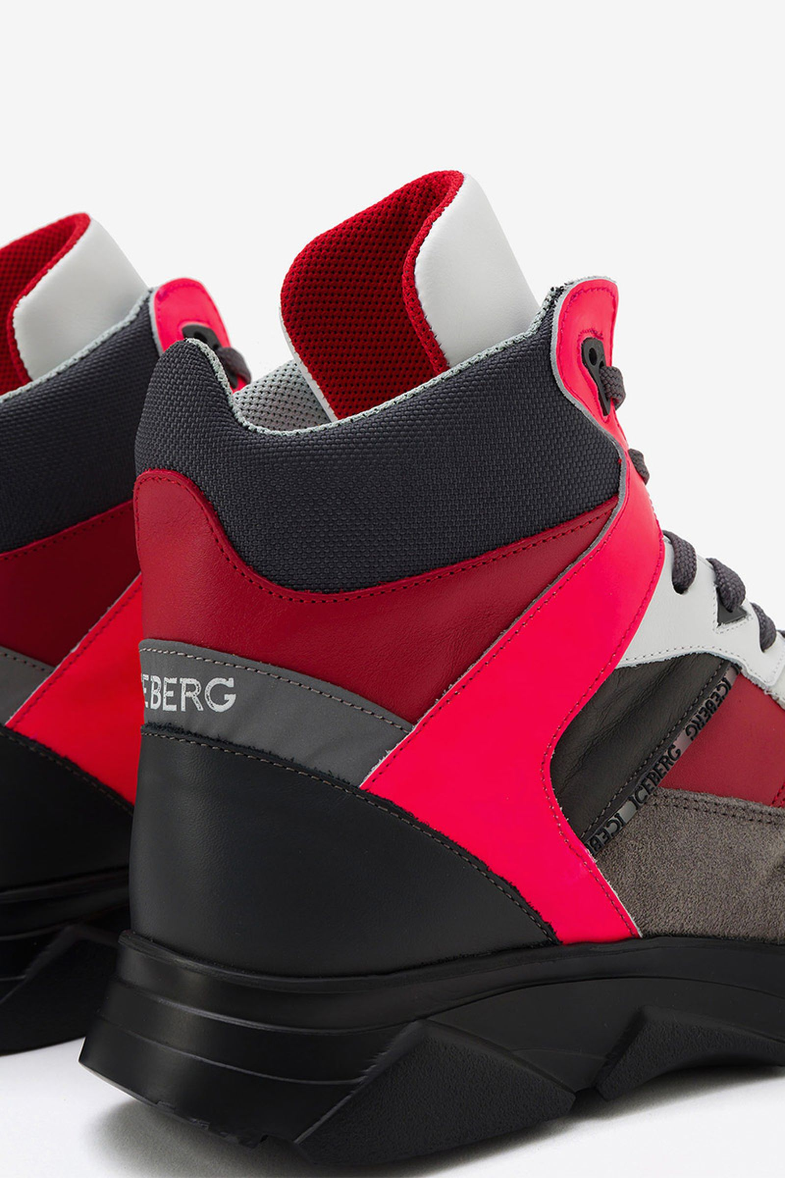 iceberg-sneaker-urban-trek-runner-punk-pop-culture-pre-fall-2019-8