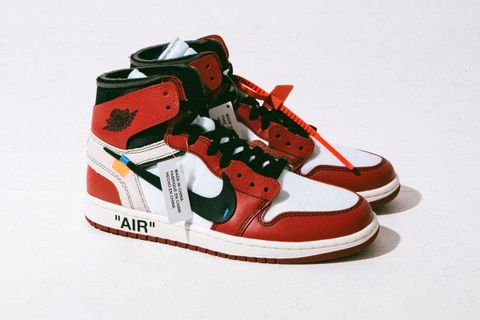 the latest 610b6 9d321 OFF-WHITE x Nike Air Jordan 1