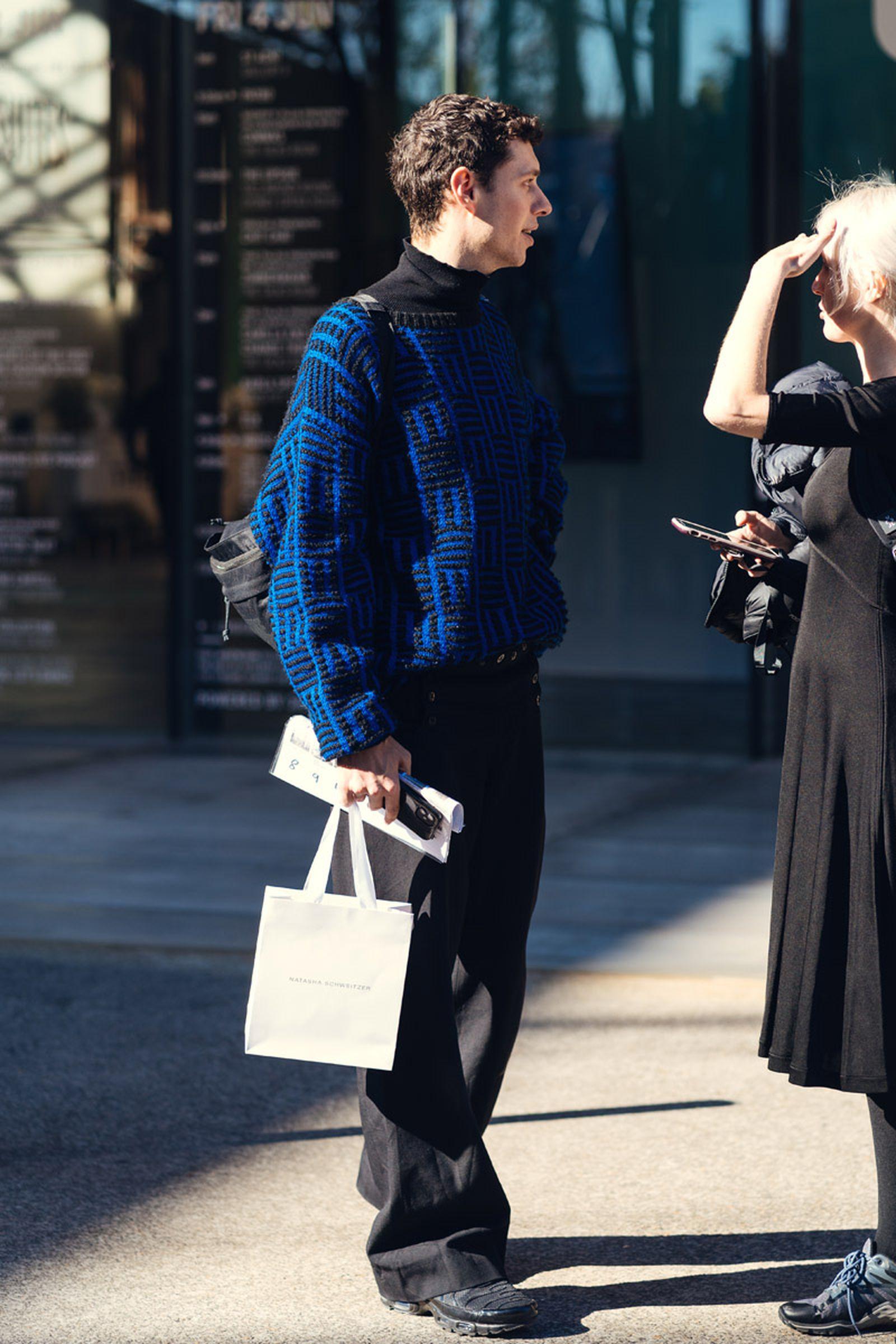 australian-fashion-week-2021-street-style-04