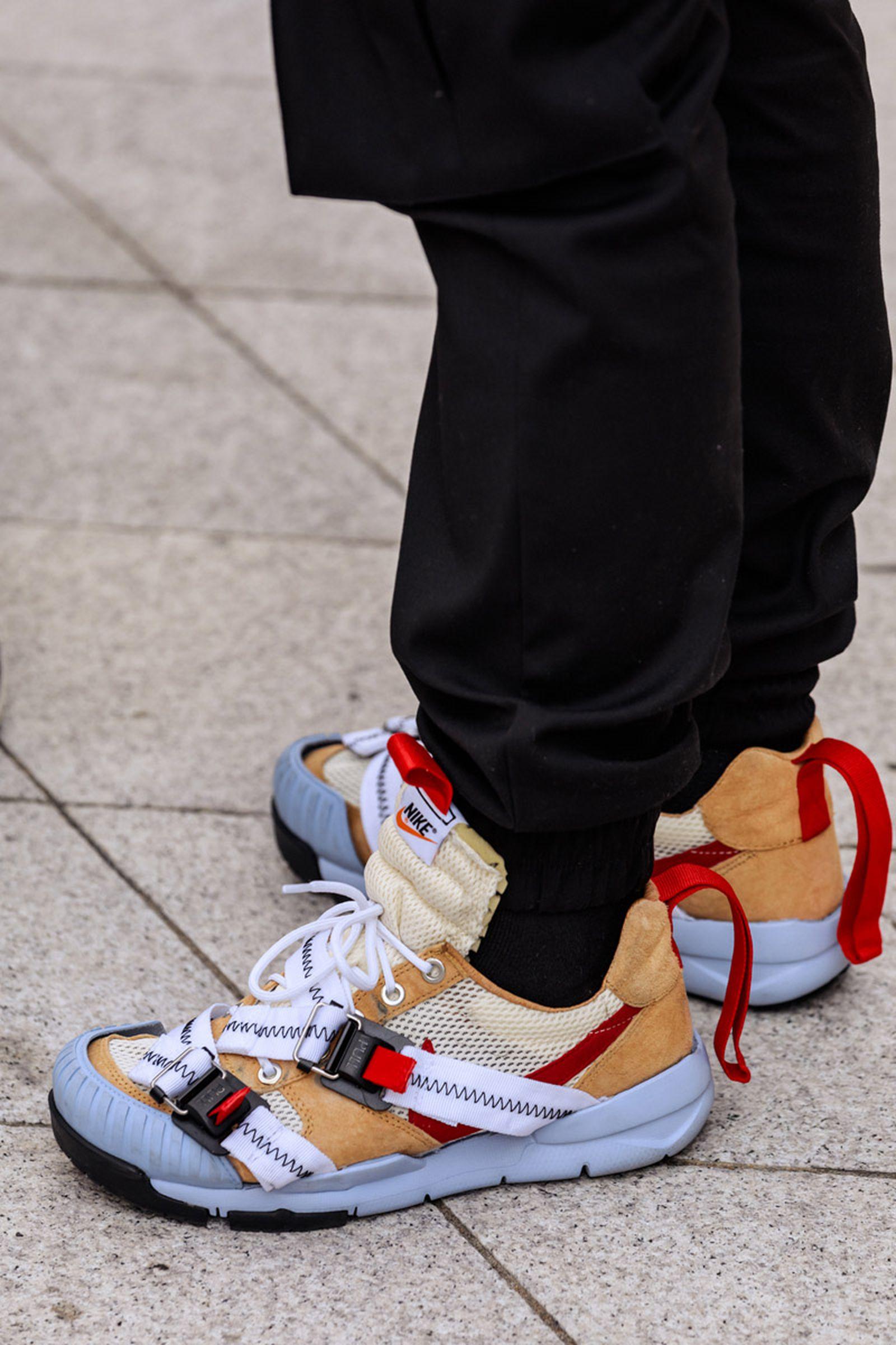 seoul-fashion-week-sneaker-street-style-ss20-17