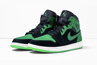 "9f55db04c07 Air Jordan 1 ""Xbox"" to Be Auctioned off to the Public for the First Time"
