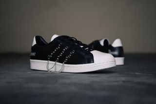 29d46c7f4905c A Closer Look at the Y s by Yohji Yamamoto x adidas Super Position ...