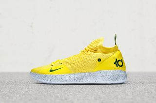 reputable site 25f92 0455e Nike Gives Kevin Durant Supersonic KD 11s for His Return to ...