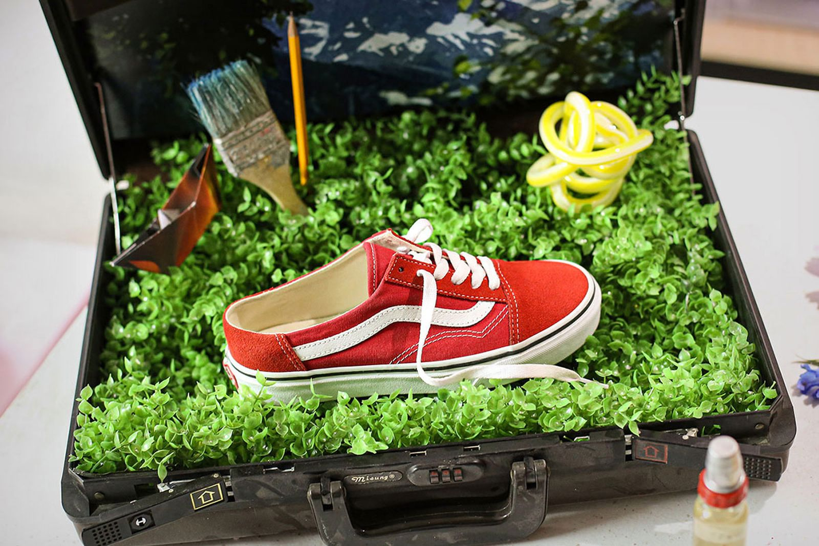 Red Vans Mule Old Skool with white side stripe