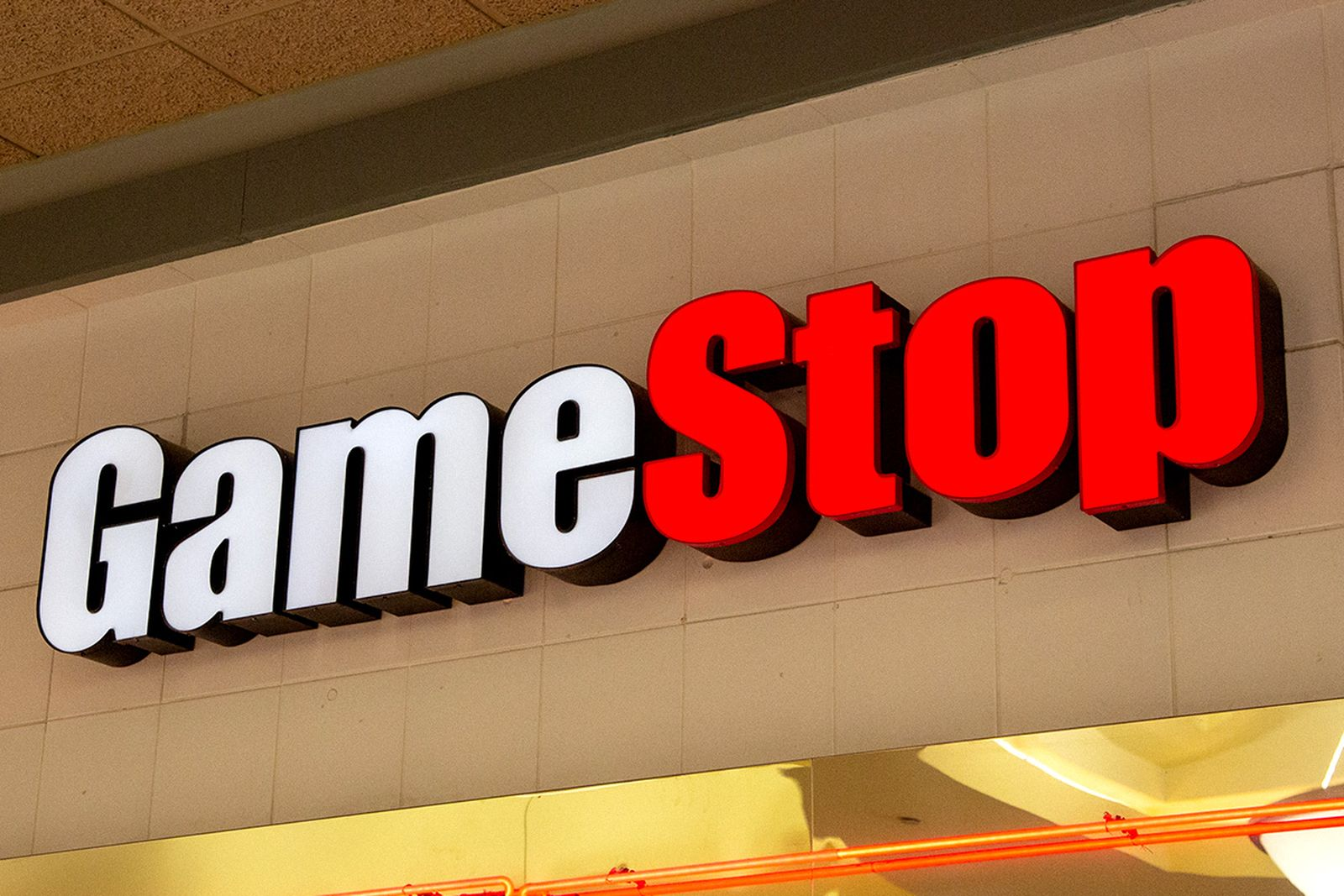 the-gamestop-revolution-is-a-streetwear-state-of-mind-main02