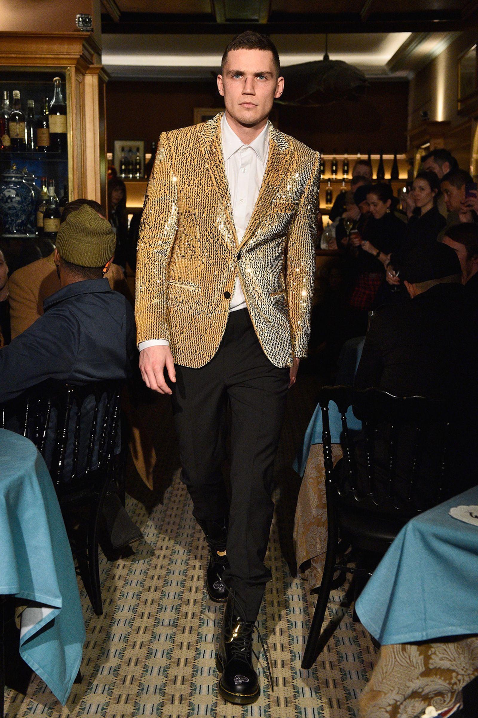 SSS WORLD CORP AW 18 justin o shea paris fashion week runway