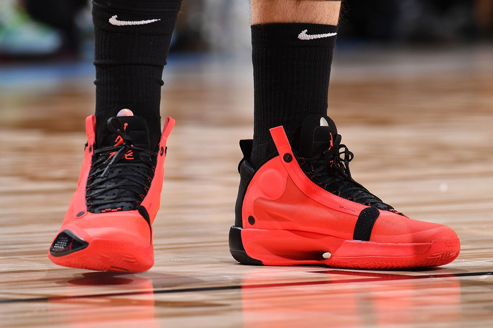 "Nervio Grabar calificación  Nike Air Jordan 34 ""Infrared 23"": Official Images & Release Info"