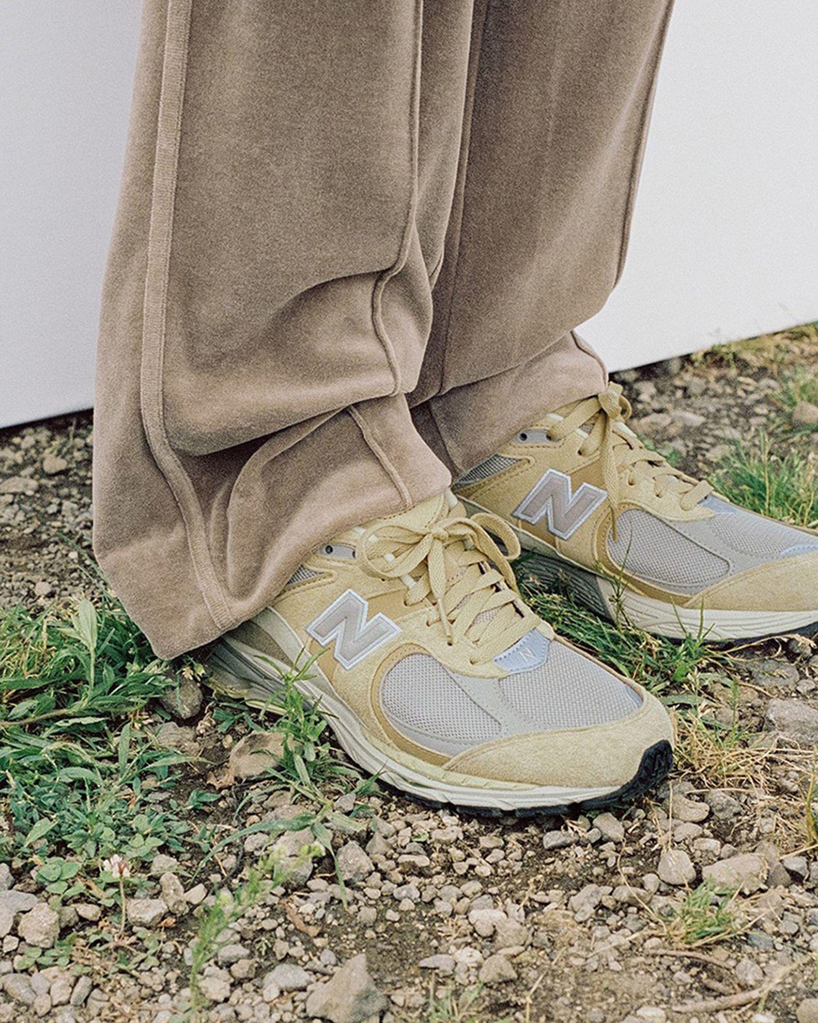fashion-week-ss22-sneaker-roundup-08