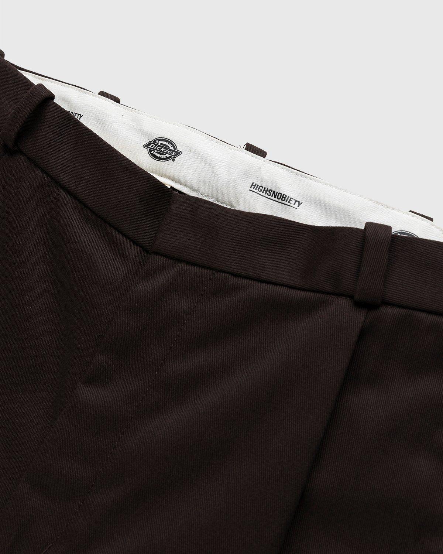 Highsnobiety x Dickies – Pleated Work Pants Dark Brown - Image 3