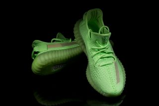 "1c4db06aa8063 adidas Originals YEEZY Boost 350 V2 ""Glow in the Dark""  Pics Leak"