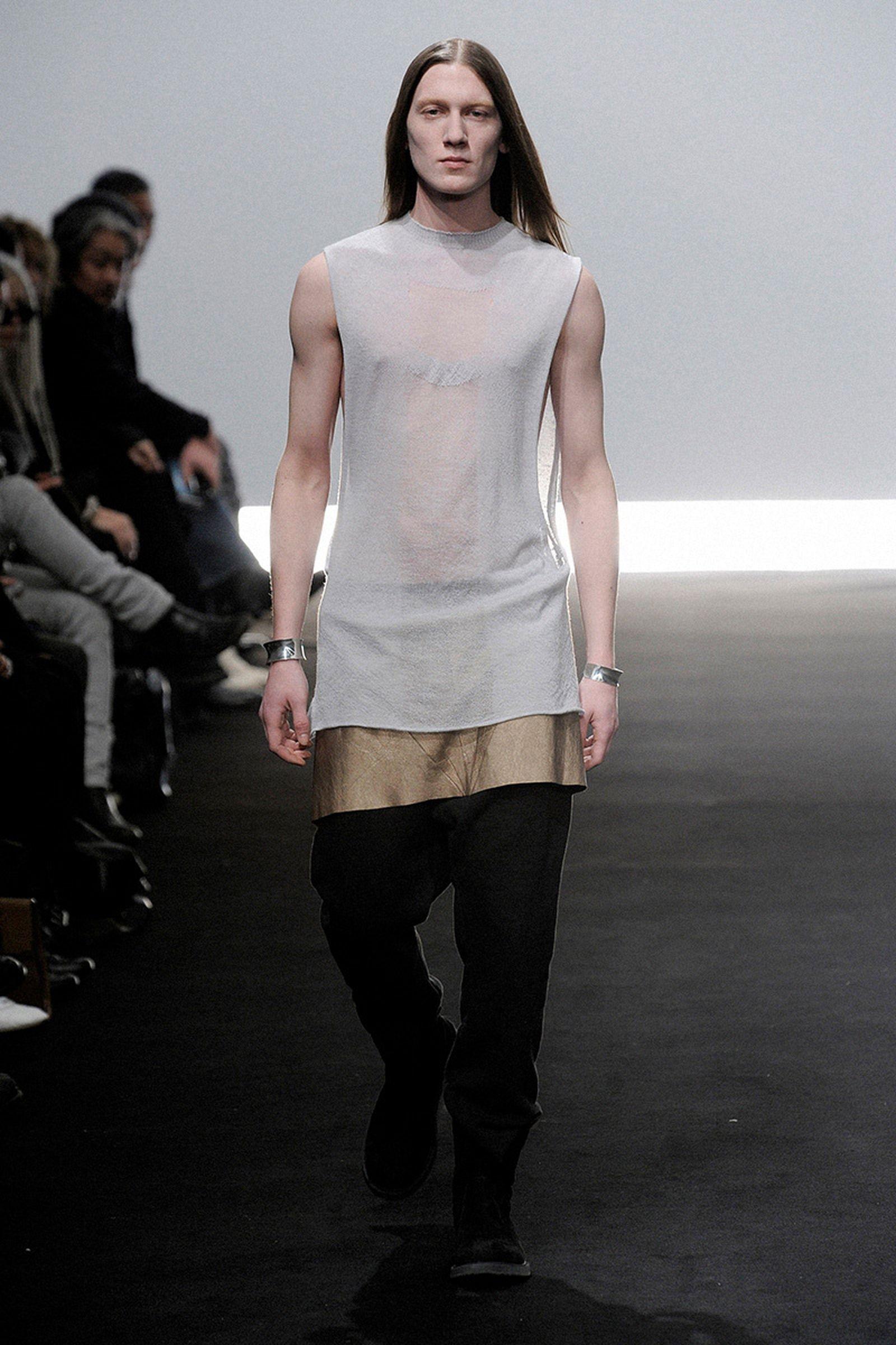 the-12-fashion-shows-that-changed-mens-fashion-rick-owens-012