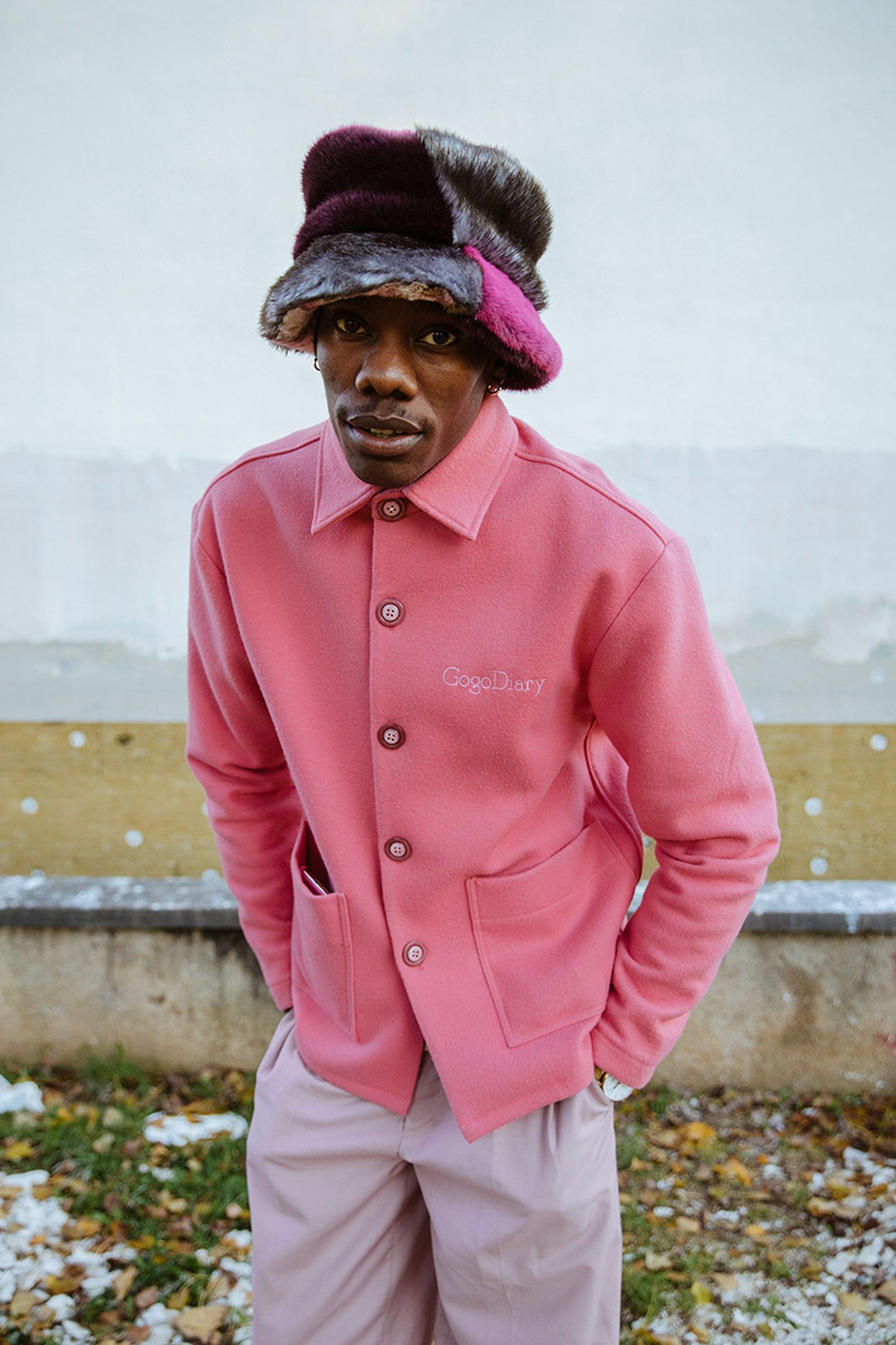 gogo-lupin-hogan-sneaker-pink-paris-04