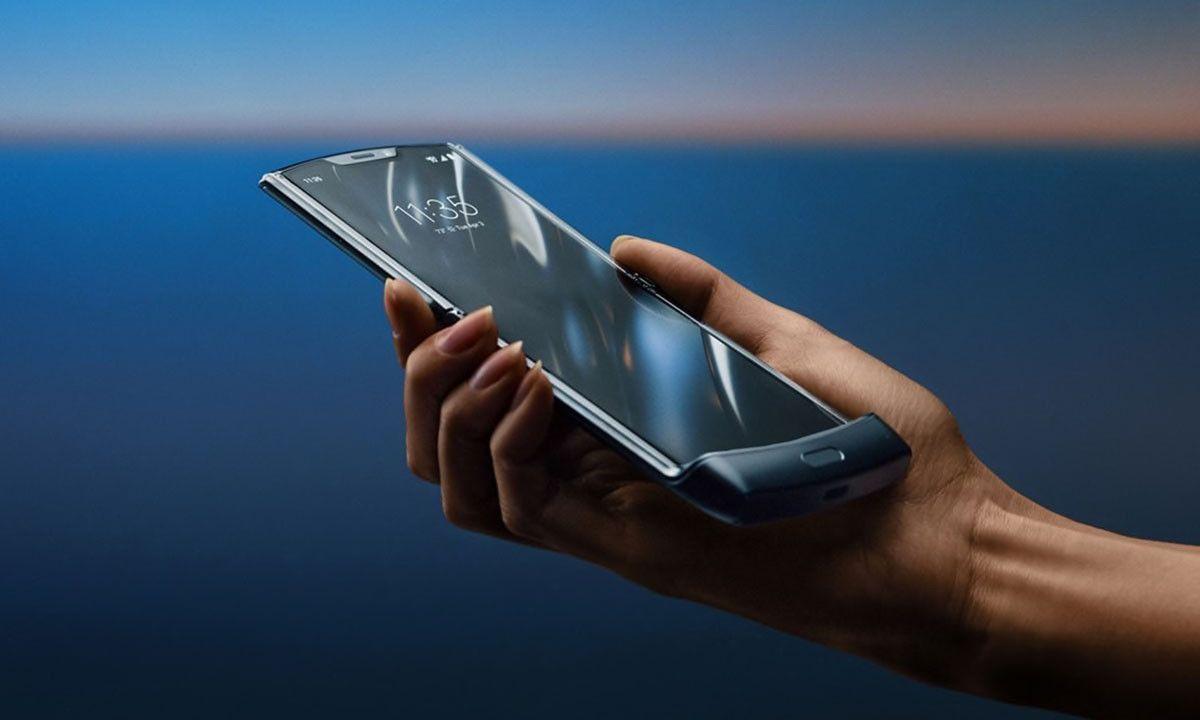 Motorola's Touch-Screen Razr Is Releasing Very Soon