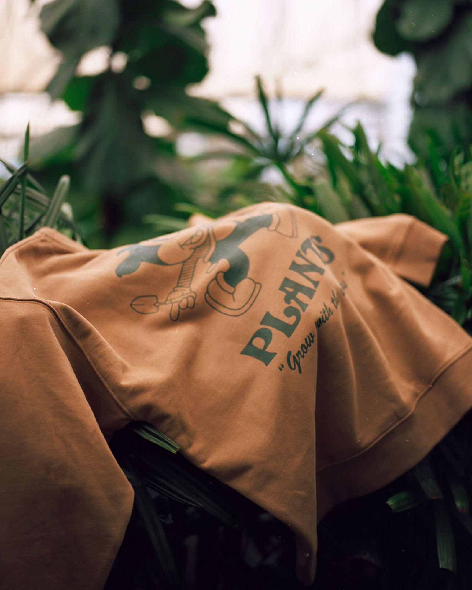 plant-man-p-hm-blank-staples-new-06