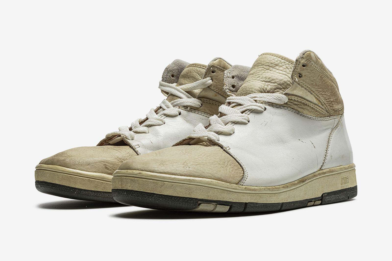stadium-goods-christies-original-air-sneaker-auction-10