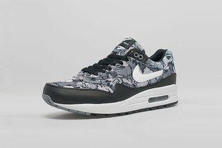 timeless design 7c4e1 a8de8 Nike