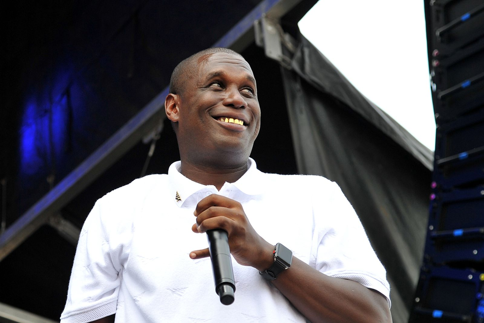 Jay Electronica performing