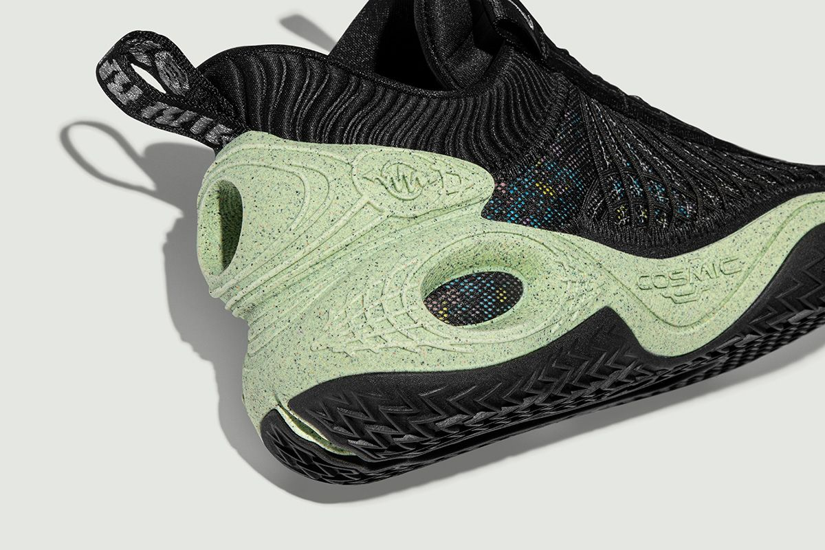Nike's New Basketball Sneaker Is a Spacey '90s Hit 28