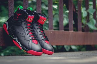 "huge selection of 33961 35863 7 more. Previous Next. This weekend sees the release of the Air Jordan 7  Retro ""Marvin The Martian."
