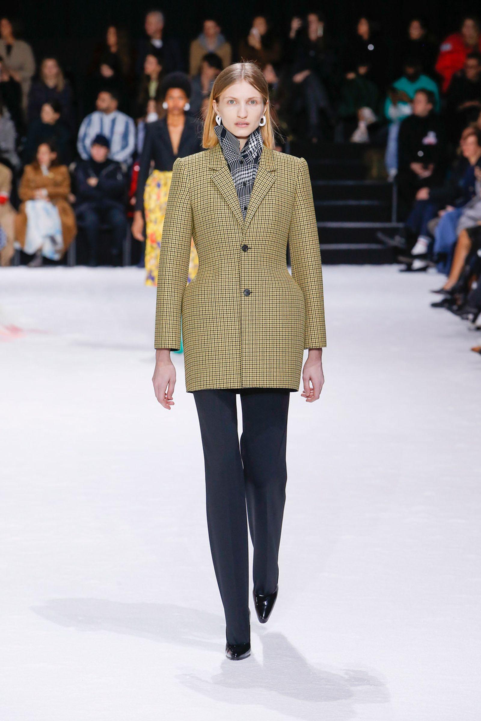 balenciaga fw18 Fall/WInter 2018 paris fashion week runway