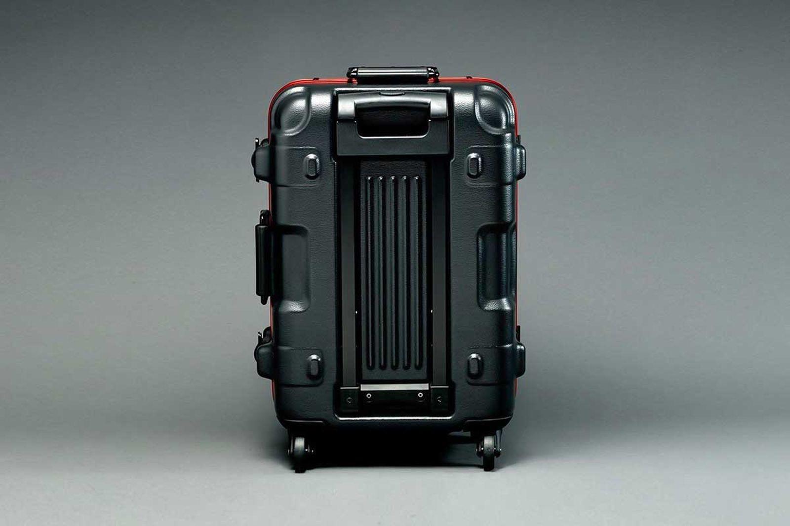 gundam-suitcase-5
