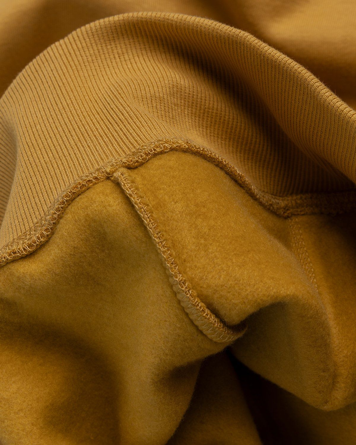 Carhartt WIP – Hooded Chase Sweat Gold - Image 5