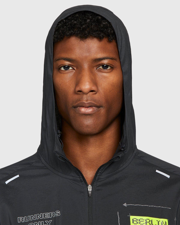 Nike x Highsnobiety – Mens Repel Berlin Windrunner Jacket Black - Image 4